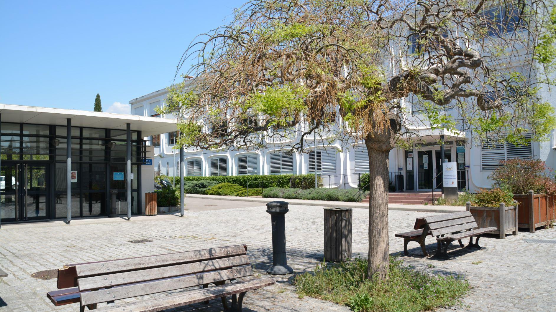 Extérieur des instituts Aix